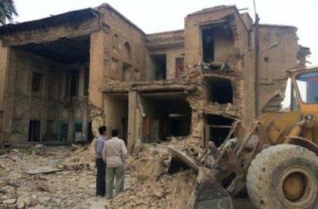 ویران کردن دو خانه تاریخی دیگر به دلیل توسعه امامزاده ای